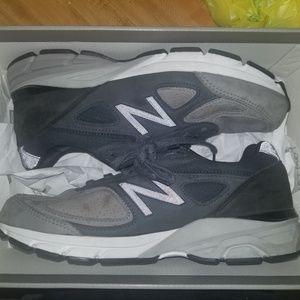 New Balance 990v4 Grey Black Nubuck Size 8.0 Mens